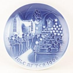 Bing & Grøndahl クリスマスプレート 1968年 Christmas in church