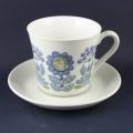 Turiデザインのカップ&ソーサー(大)