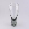 Per Lutkenデザインの白ワイングラス