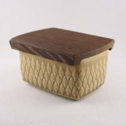 Kronjyden/クロニーデン Quistgaard/クイストゴーデザインのバターケース Relief/レリーフ